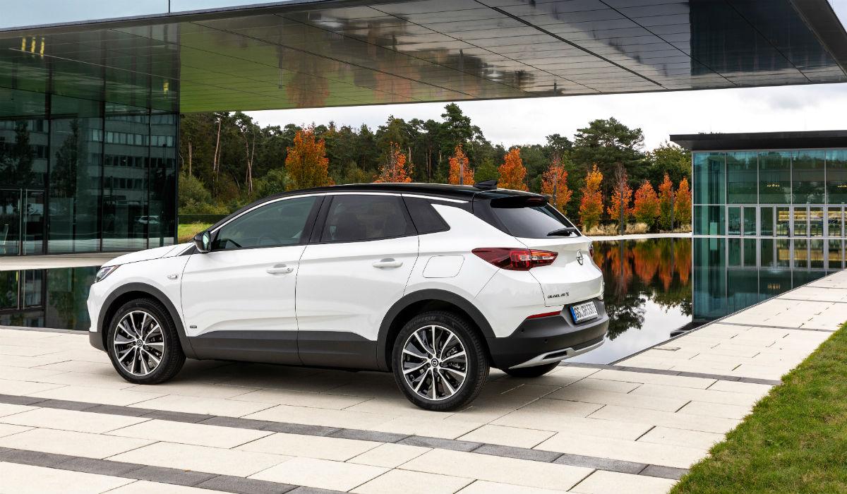 Opel Grandland X Plug-in-Hybrid com versão de tração dianteira