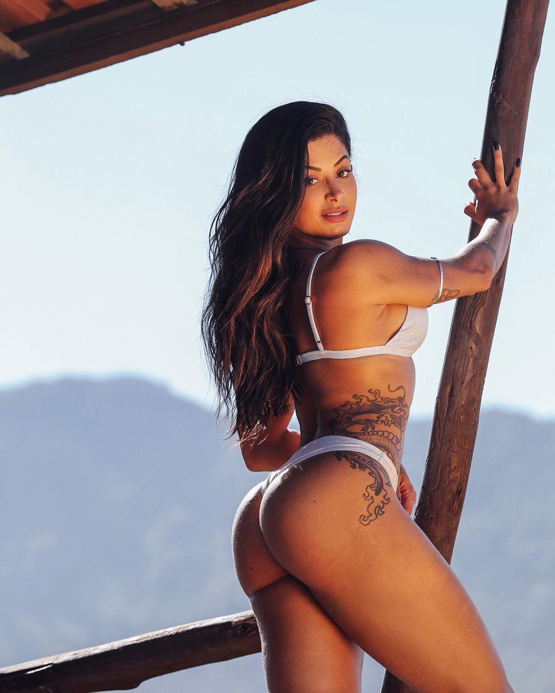 Aline Riscado Fotos Nua aline riscado, a modelo acusada de ter um caso com gabigol