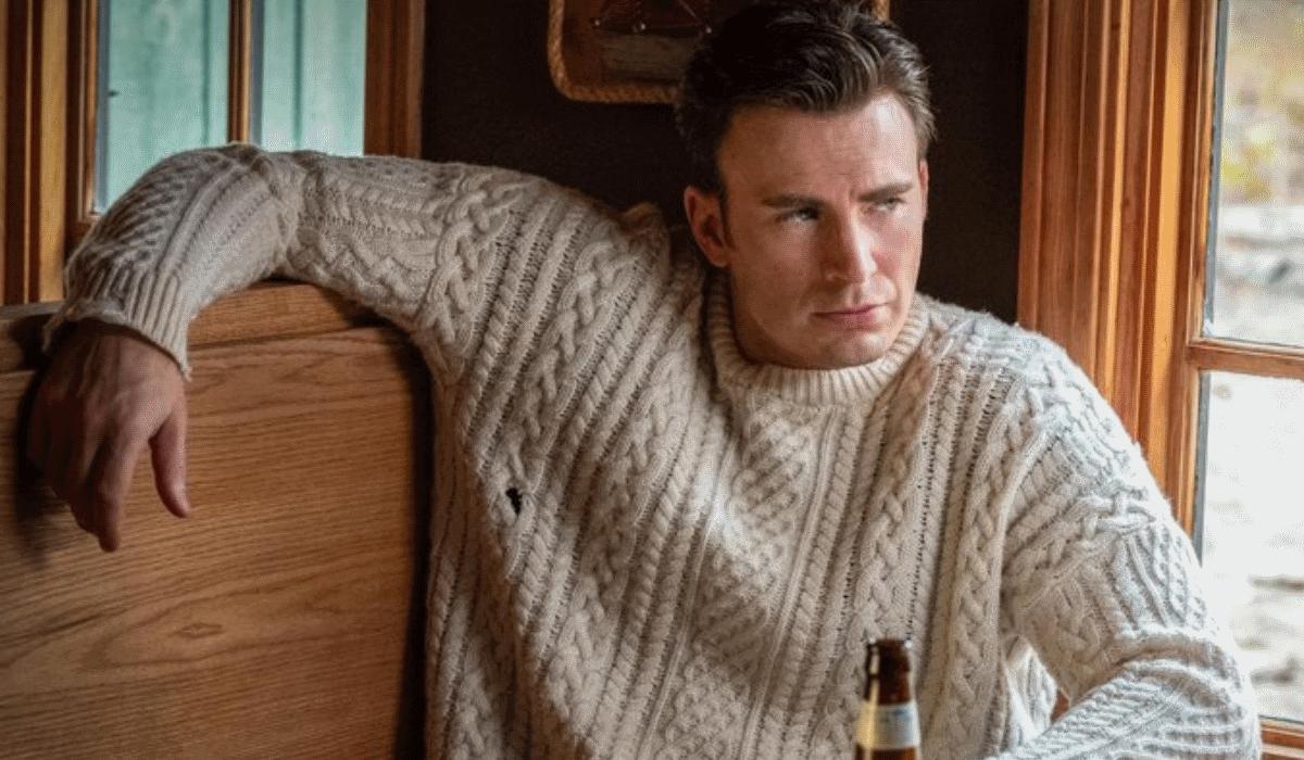 Saiba onde pode comprar a famosa camisola que Chris Evans usa em Knives Out: Todos São Suspeitos