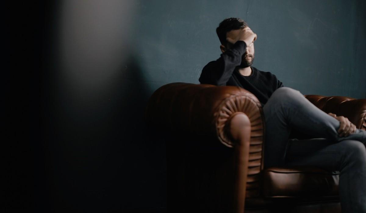 6 comportamentos que originam dores de cabeça