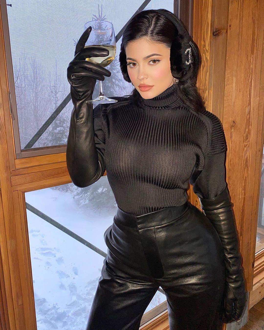 Kylie Jenner é a celebridade que mais dinheiro ganha com o Instagram