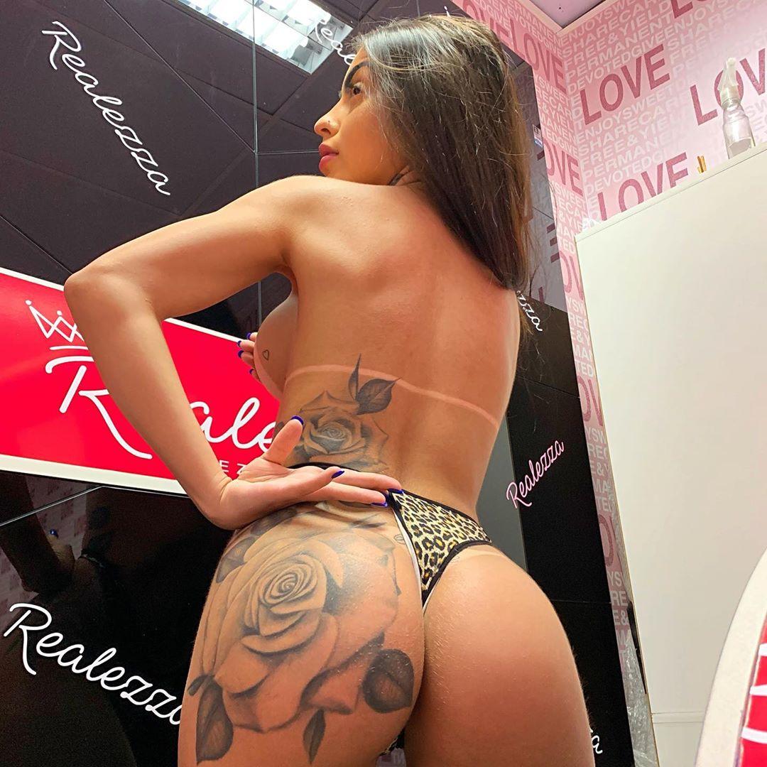 MC Mirella e os gemidos que estão a intrigar os fãs da cantora brasileira