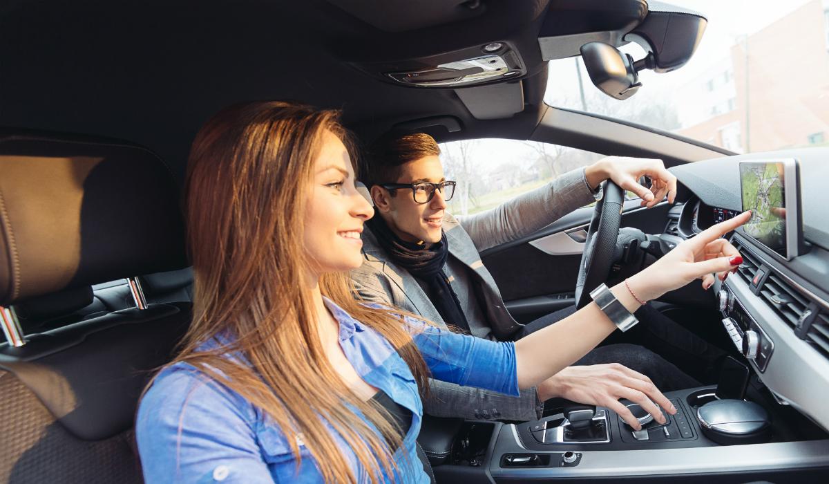 Agora, já pode ter a voz de um amigo ou da namorada no GPS do seu carro