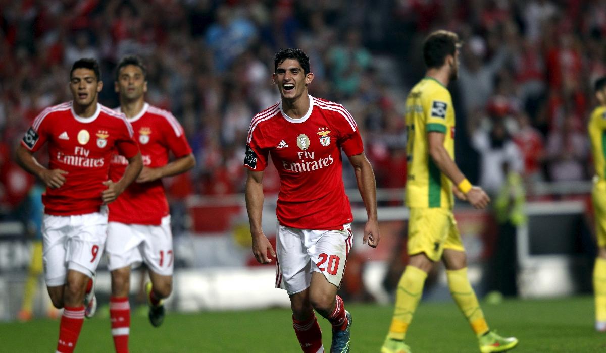 Gonçalo Guedes e o táxi pago pelo Benfica que lhe mudou a vida