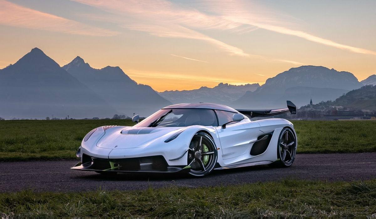 Koenigsegg está a preparar hipercarro para bater os 500 km/h