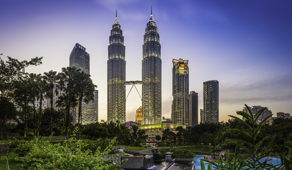 Os templos, as cavernas, o centro histórico e a gastronomia de Kuala Lumpur