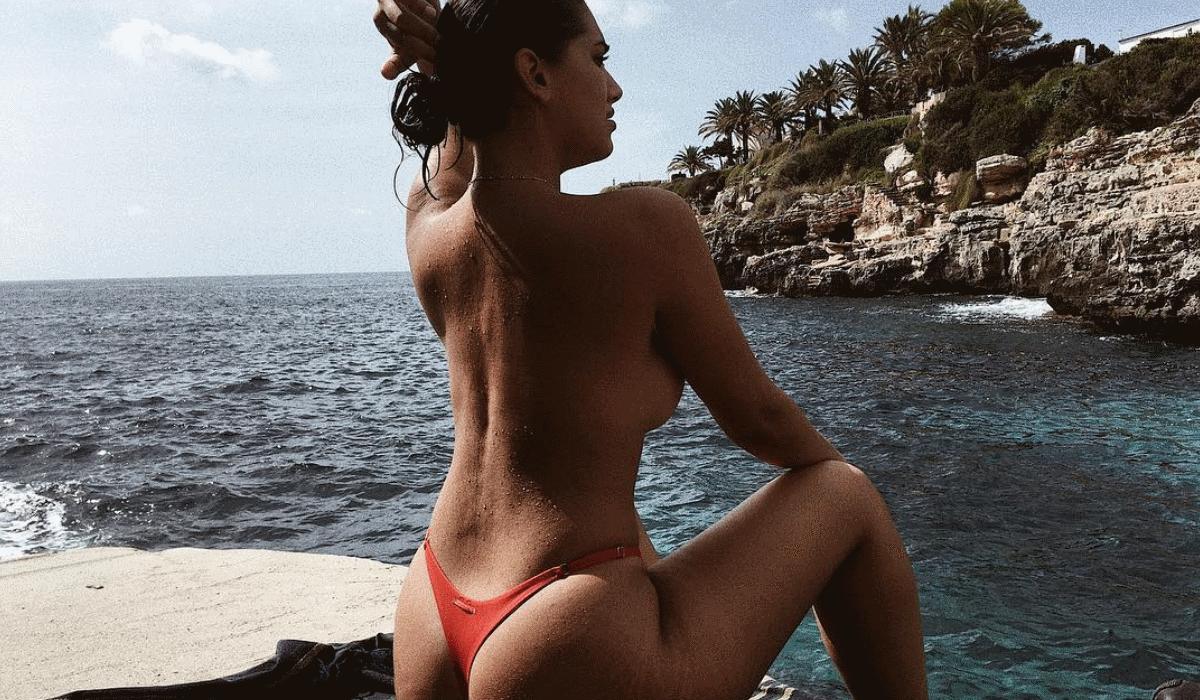 """Lorena Durán, a modelo """"curvy"""" da discórdia que dá origem a várias discussões"""