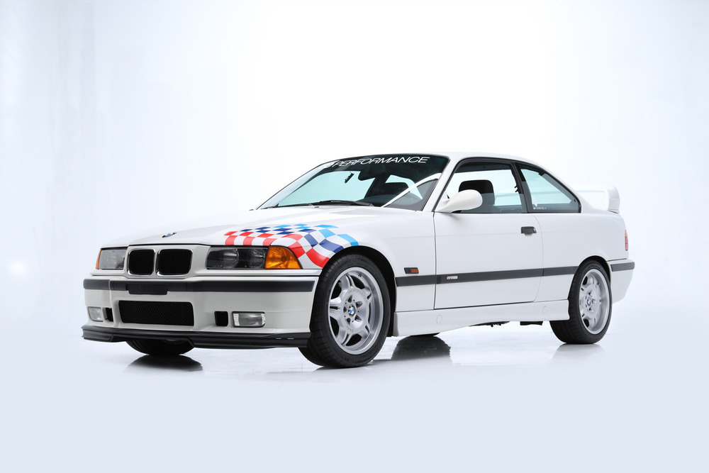 21 veículos da coleção de Paul Walker vendidos por 2,1 milhões de euros