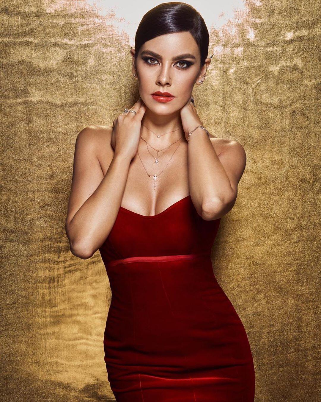 Cristina Pedroche, um vestido e uma polémica que até envolve Cristiano Ronaldo