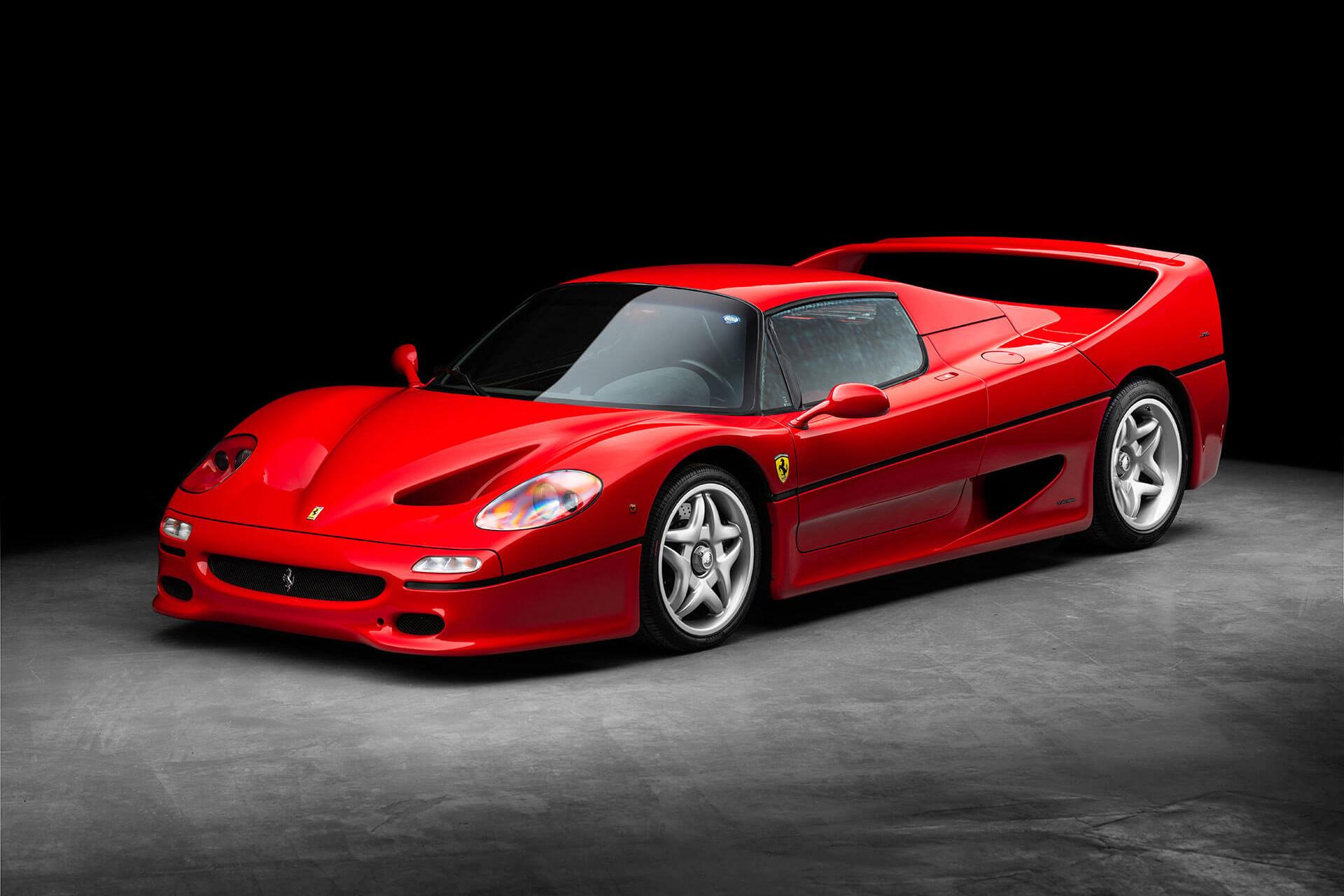 Este Ferrari F50 está num estado irrepreensível e encontra-se à venda