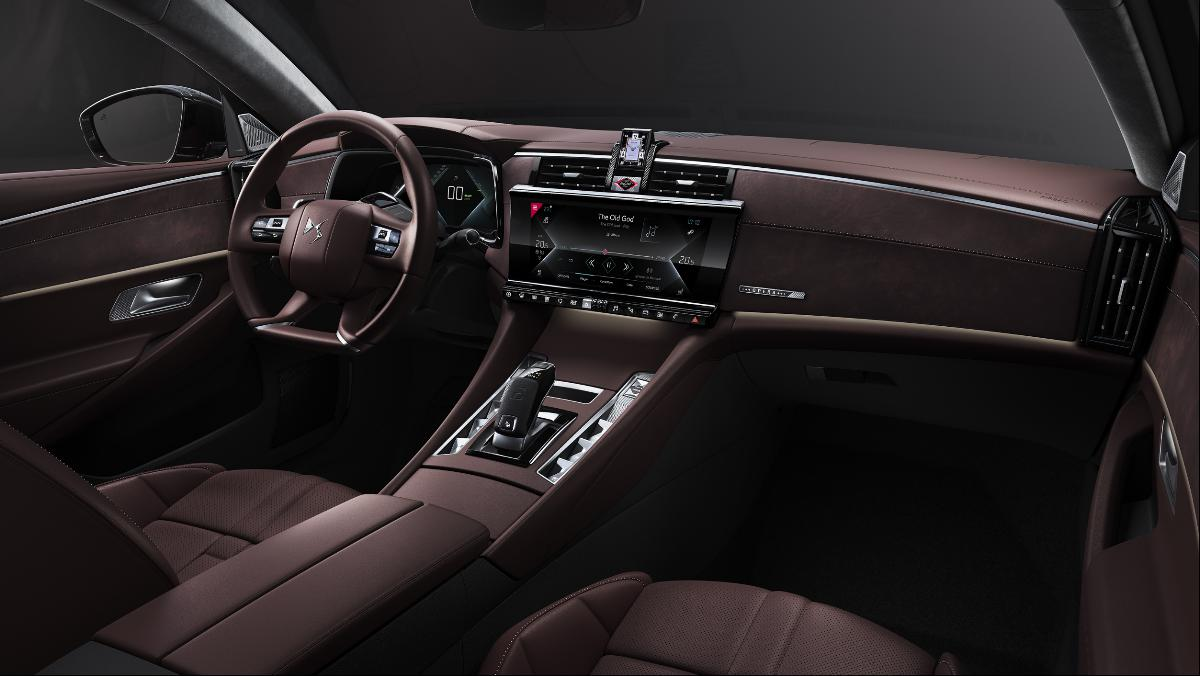 DS 9, o novo modelo de luxo francês com tecnologia híbrida