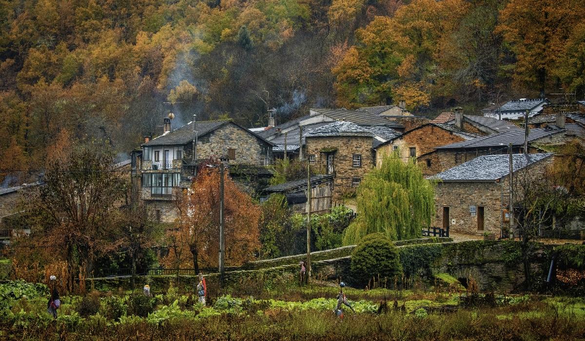 Rio de Onor, a aldeia comunitária que é partilhada por Portugal e Espanha