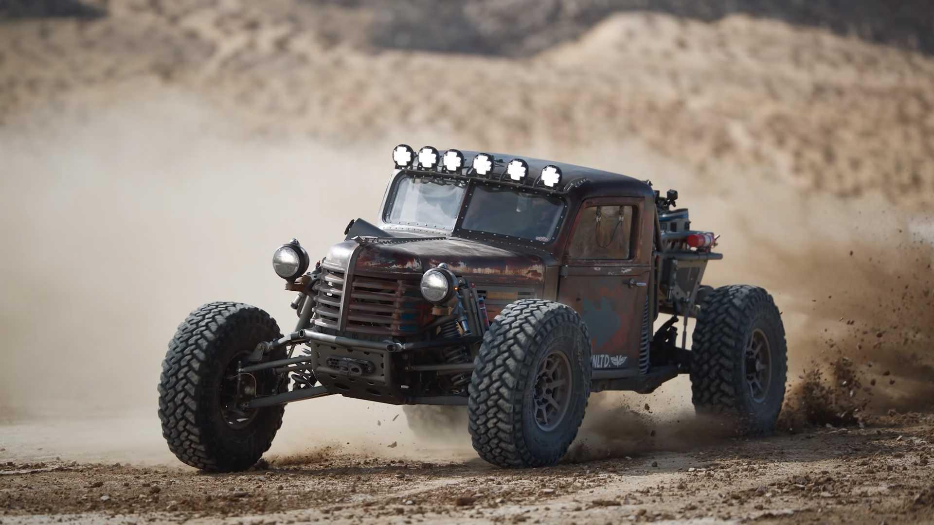 Este veículo todo-o-terreno conjuga ferrugem com tecnologia moderna