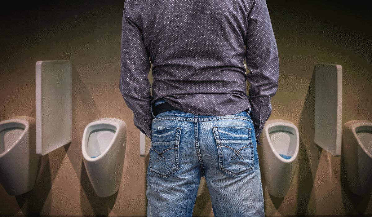 Ciência coloca em causa a posição em que os homens devem urinar