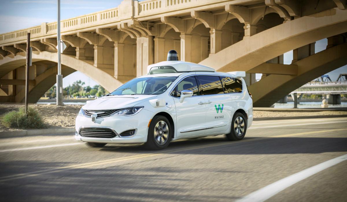 Waymo recebe investimento de milhões para acelerar condução autónoma