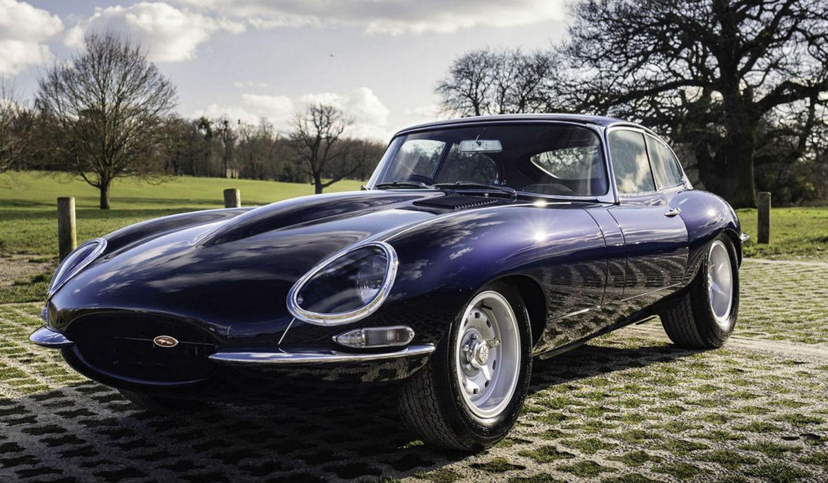 Preparadora britânica deu ao clássico Jaguar E-Type mais de 400 cavalos