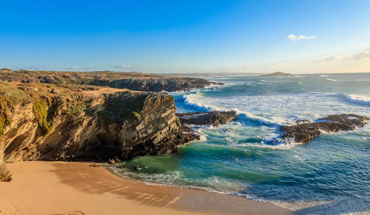 As praias, a ilha do Pessegueiro e o peixe delicioso de Porto Covo