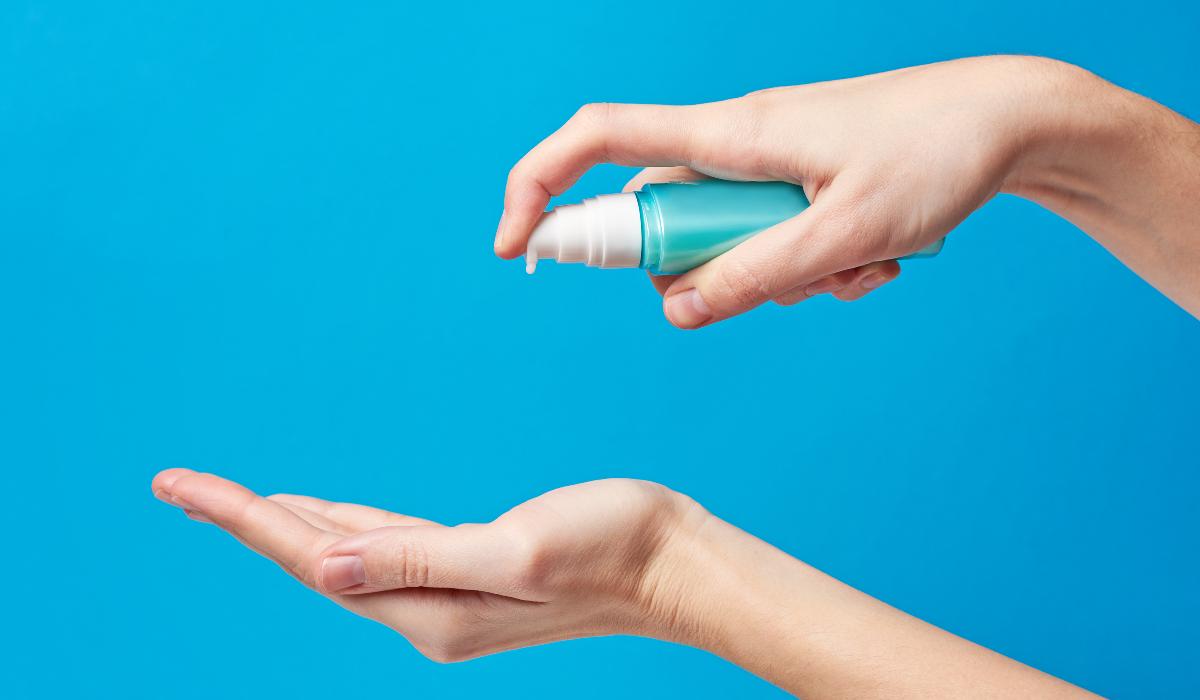 Os perigos do uso de gel desinfetante como lubrificante, moda que nasceu com o coronavírus