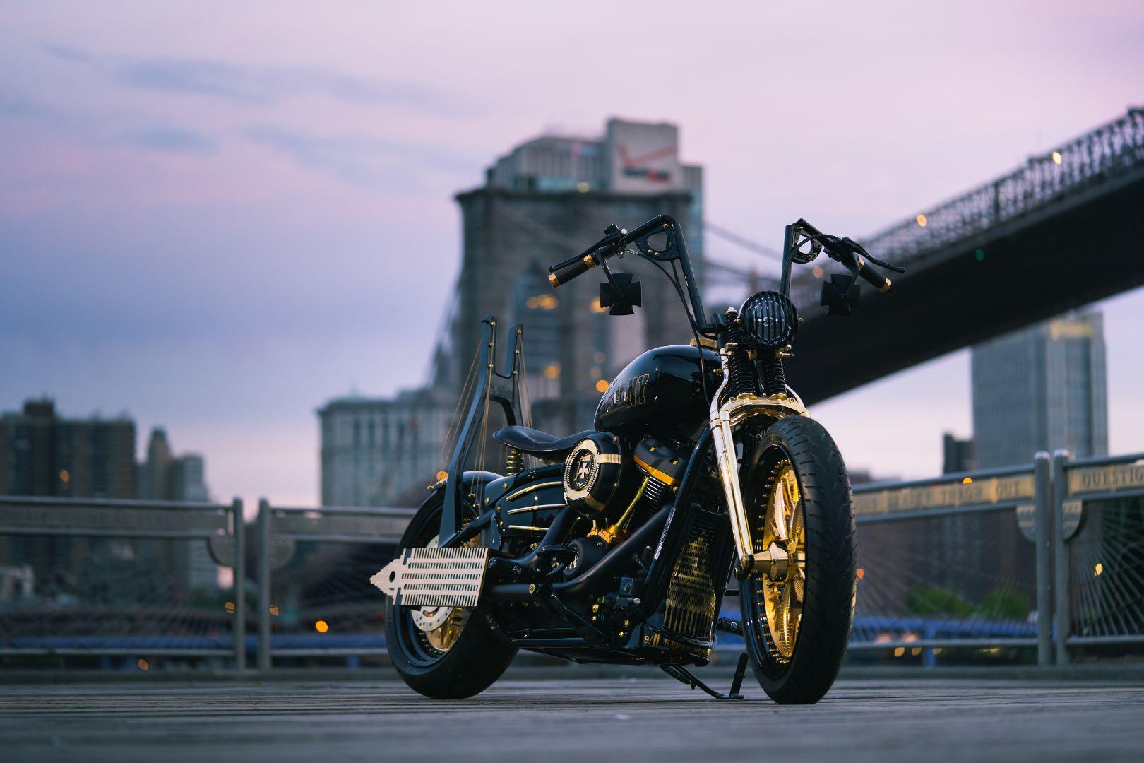Harley-Davidson personalizada presta homenagem a Nova Yorque