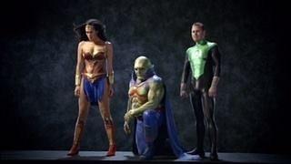 Revelada a máscara que Batman nunca chegou a usar em Liga da Justiça: Mortal