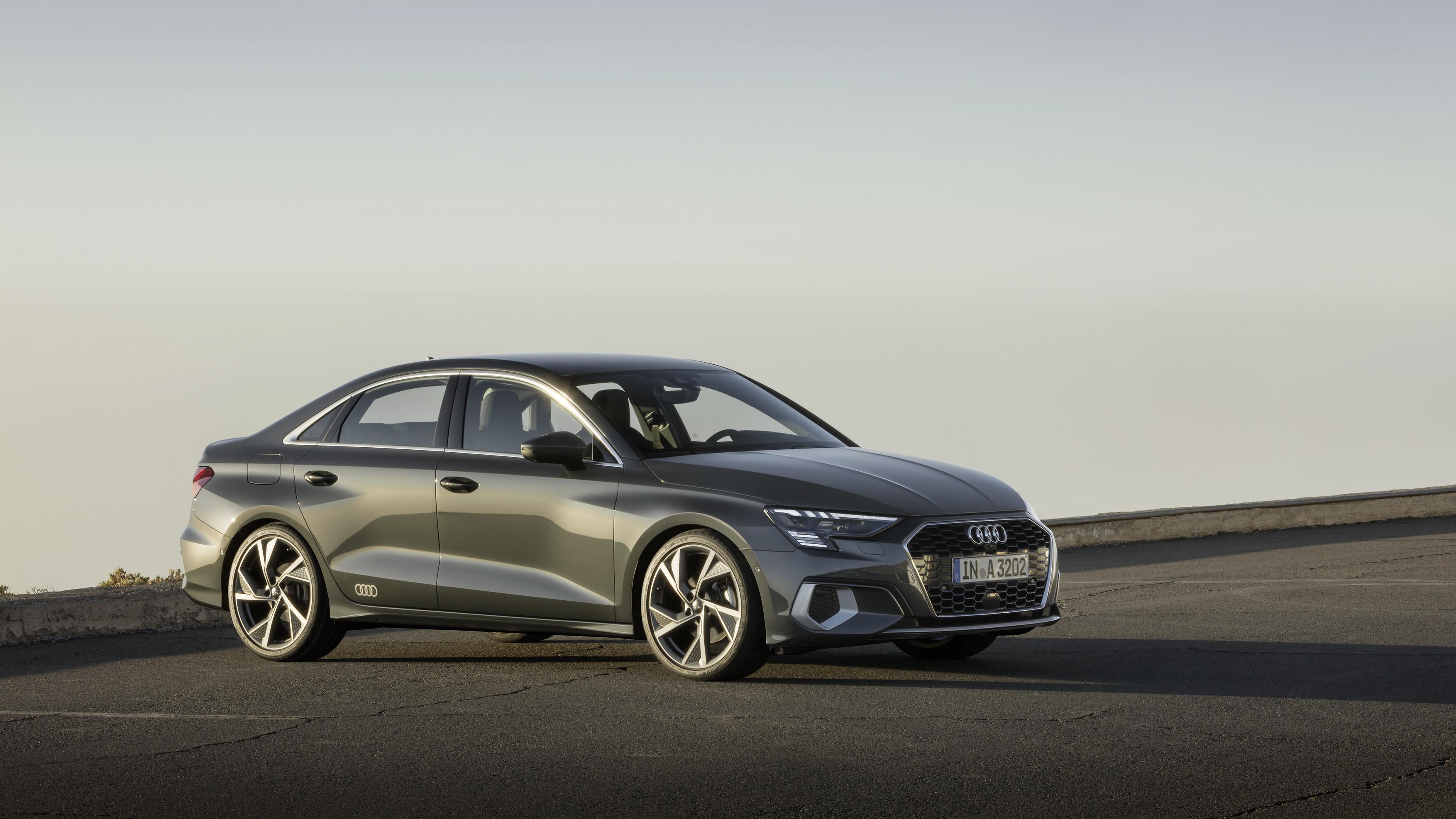 Novo Audi A3 Limousine apresenta-se com linhas renovadas e tecnologia mild hybrid