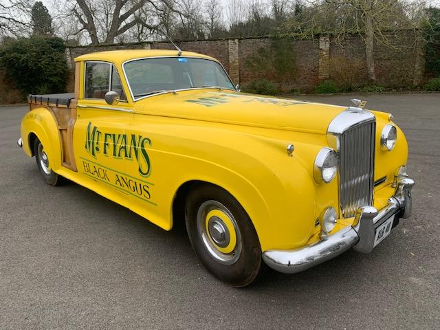 Vai a leilão aquela que é muito provavelmente a única pick-up da Bentley