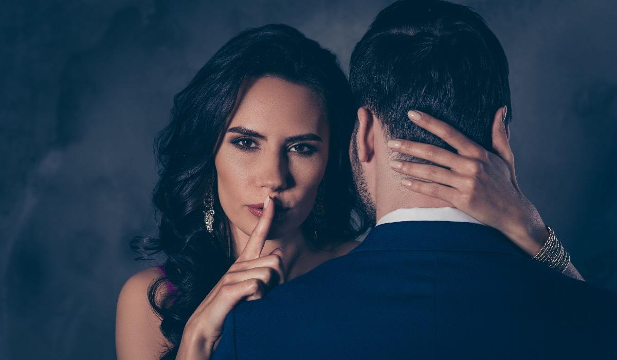 Sexo de olhos vendados: Guia para por esta fantasia em prática e ter mais prazer