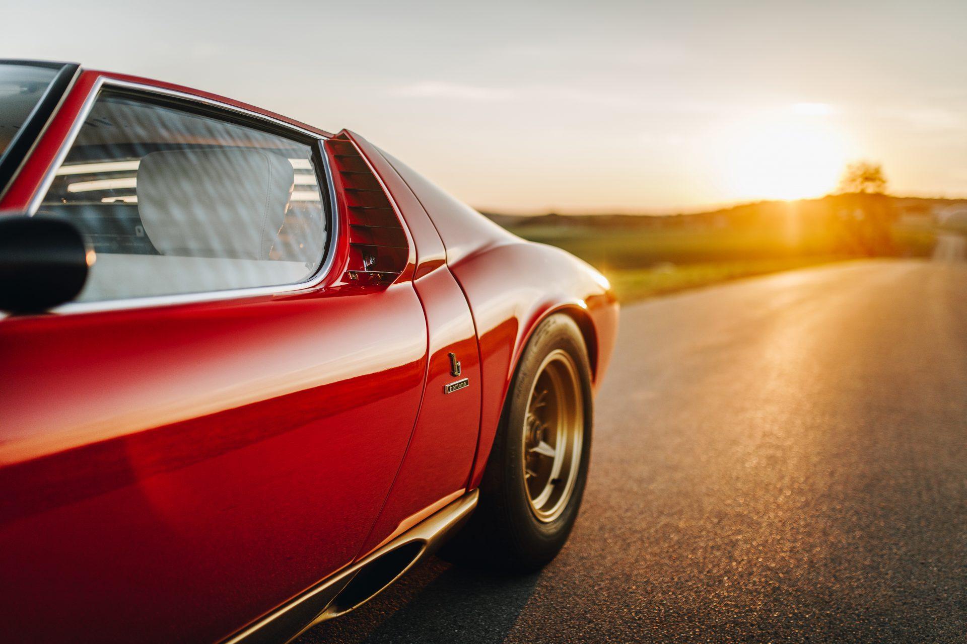 Lamborghini Miura, um dos primeiros supercarros do mundo pode ser seu