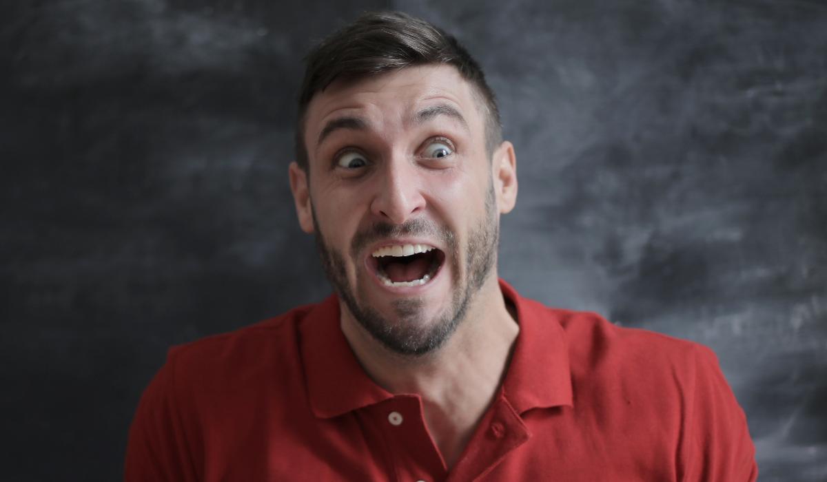 Descubra os alimentos que podem levar ao aparecimento de aftas na boca