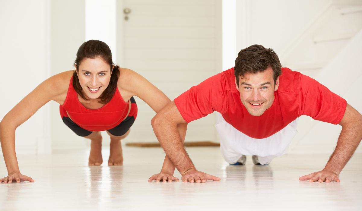 Este treino de braços demora apenas 11 minutos e é excelente para fazer em casa