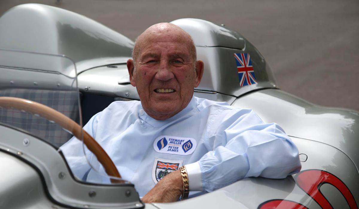 Stirling Moss, a lenda da Fórmula 1 faleceu aos 90 anos