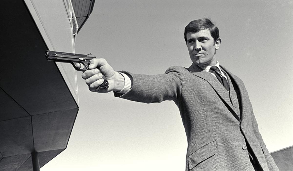 George Lazenby surpreende com escolha para o próximo James Bond