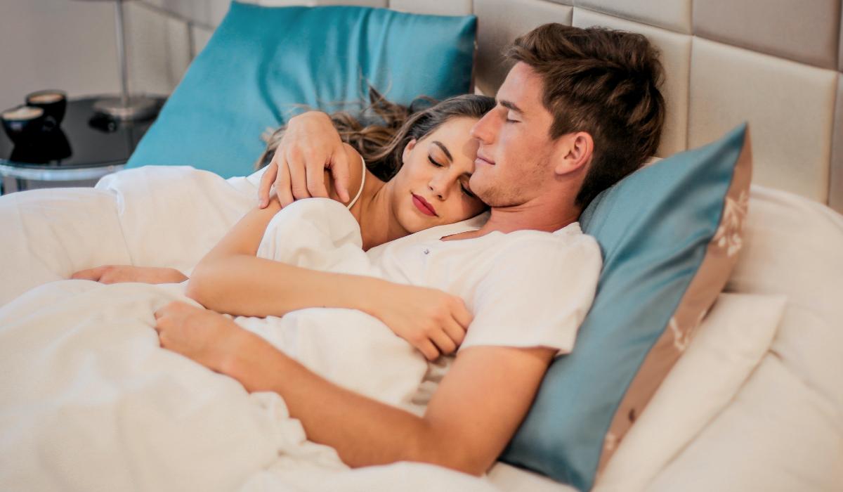 Está a ter mais sonhos eróticos? Esta é a explicação