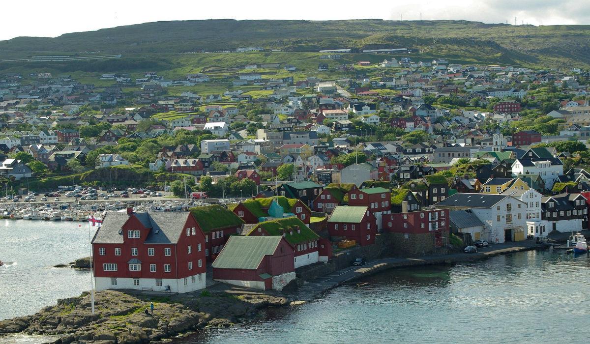 Ilhas Faroé, o destino onde há mais ovelhas que pessoas é o primeiro território europeu livre de covid-19