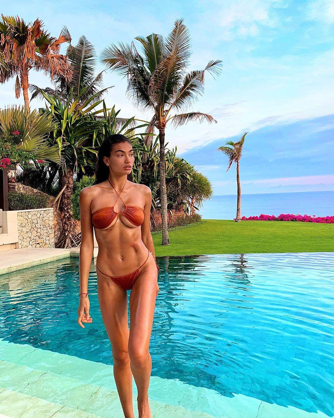 """Kelly Gale, o """"anjo"""" da nudez em forma de ilusão ótica"""