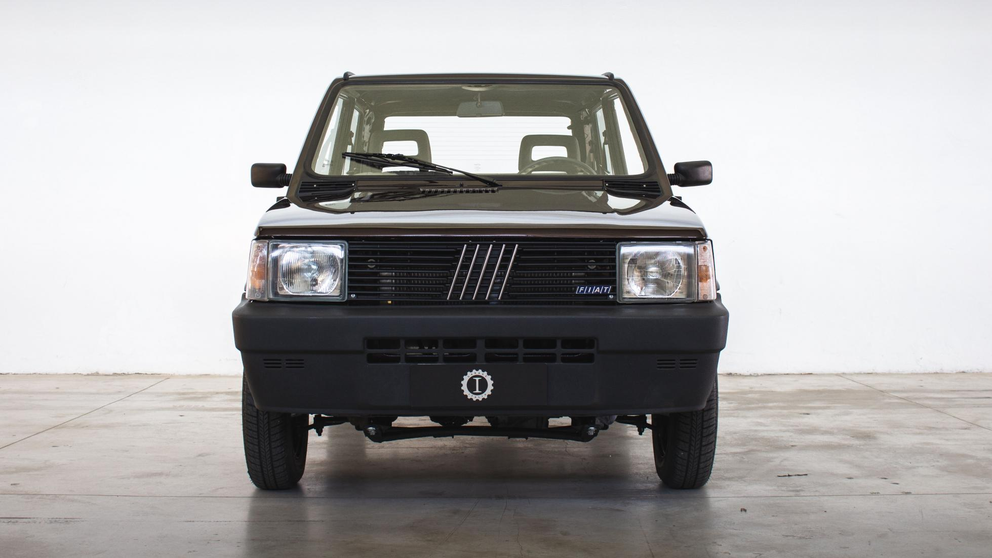Preparador italiano torna Fiat Panda da primeira geração num elétrico
