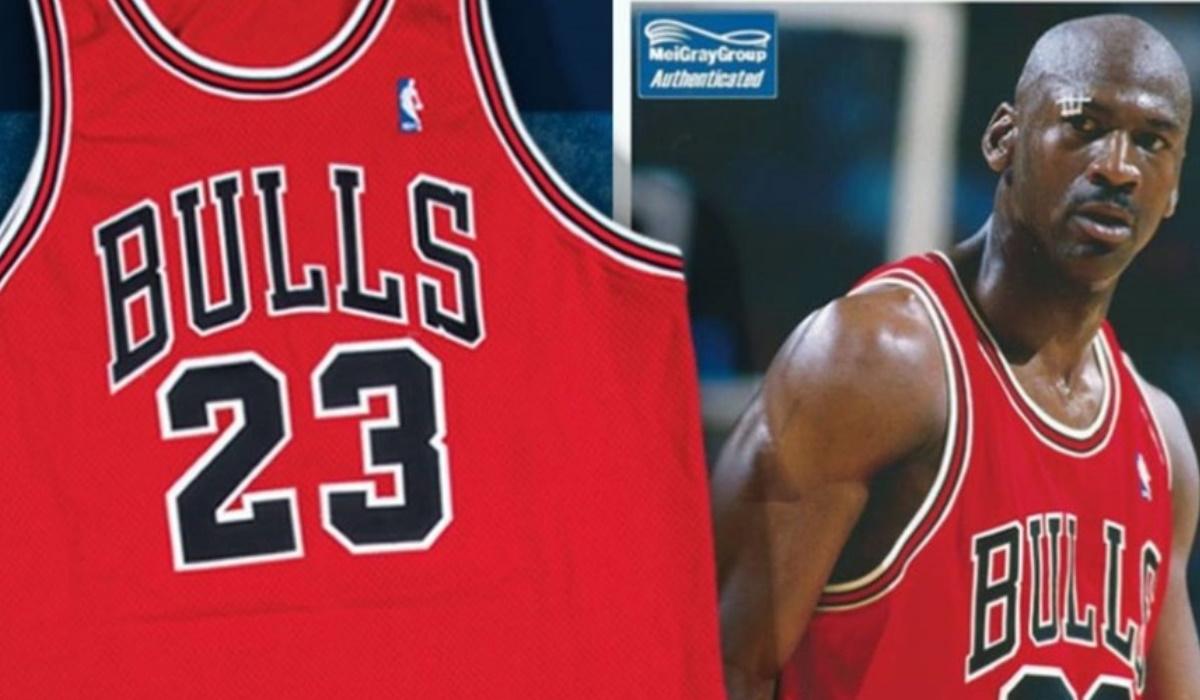 Camisola da última temporada de Michael Jordan nos Bulls custa um pequeno balúrdio