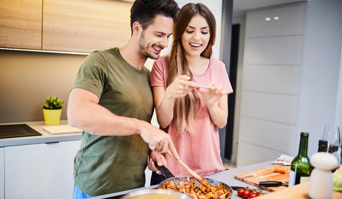 Saiba como jantar cedo pode ajudar na sua dieta