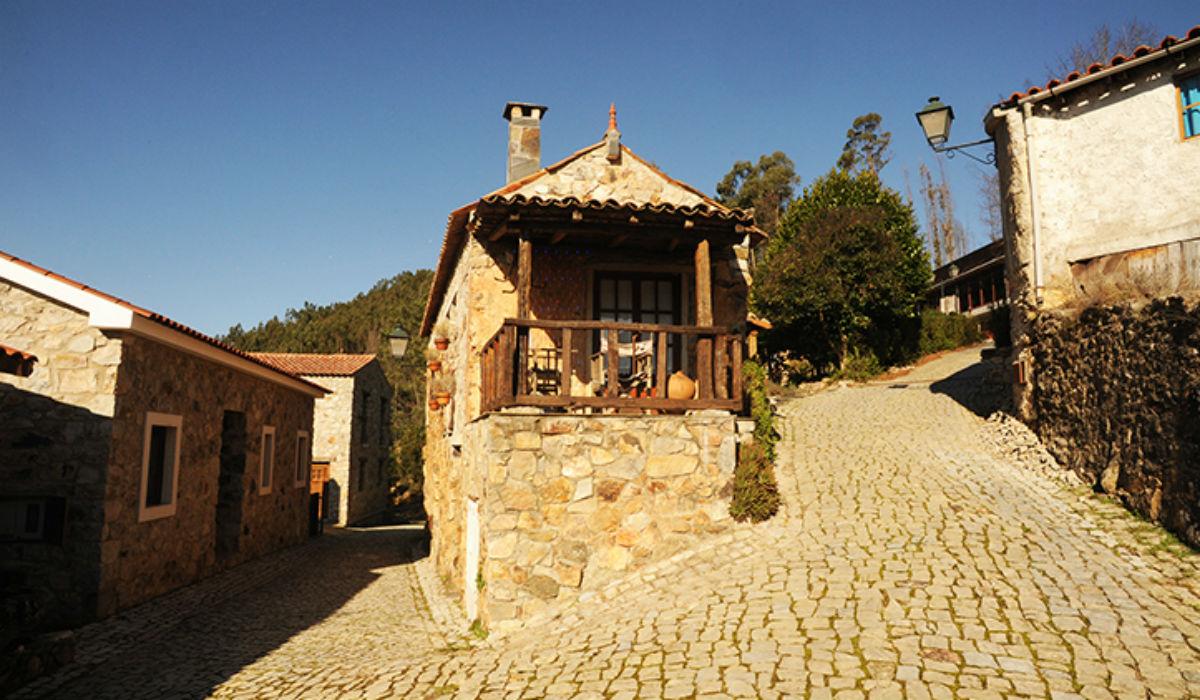 Casal de São Simão, a aldeia de xisto que é um segredo por desvendar