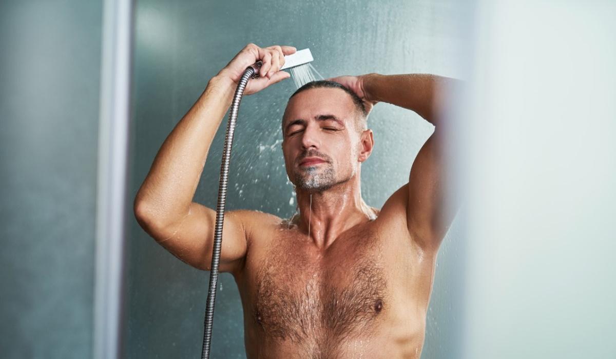 Eis alguns motivos para começar a tomar banho de água fria