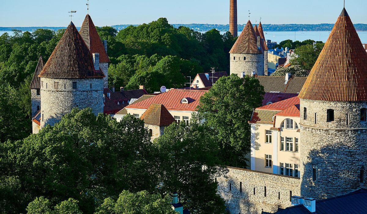 Tallinn, a cidade histórica das torres que preserva a herança medieval