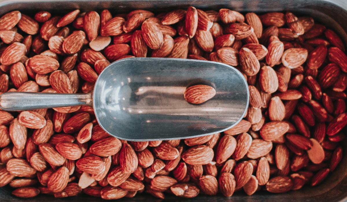 5 bons motivos para começar a comer amêndoas todos os dias
