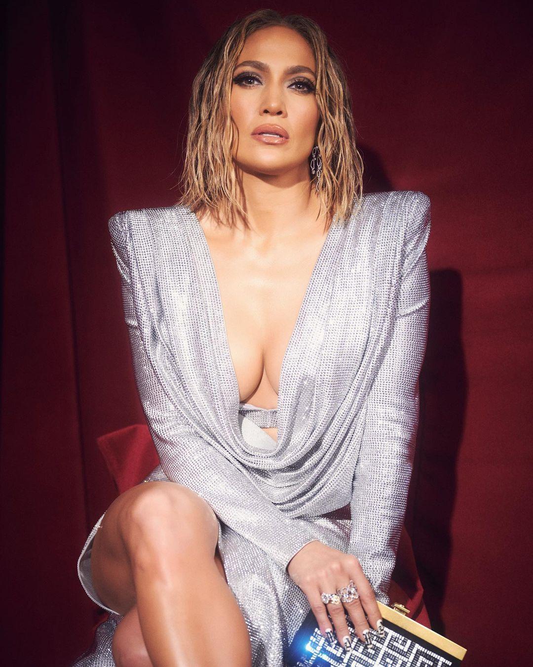 Jennifer Lopez e o detalhe em que poucos reparam na foto ousada