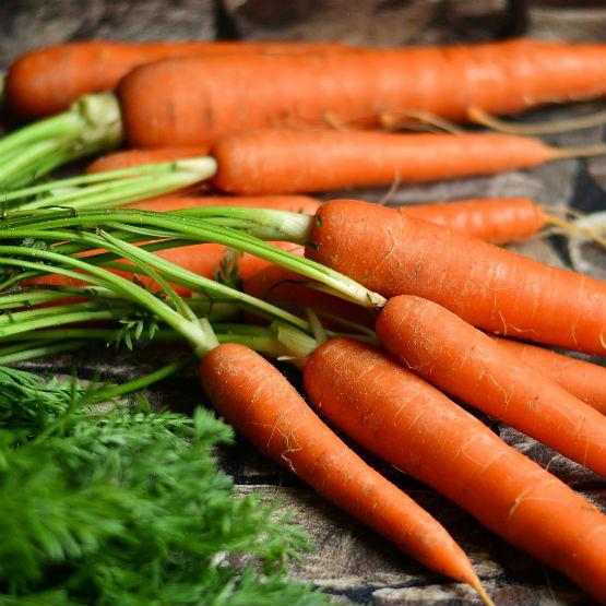 Descubra se as cenouras fazem mesmo os olhos bonitos ou se é um mito
