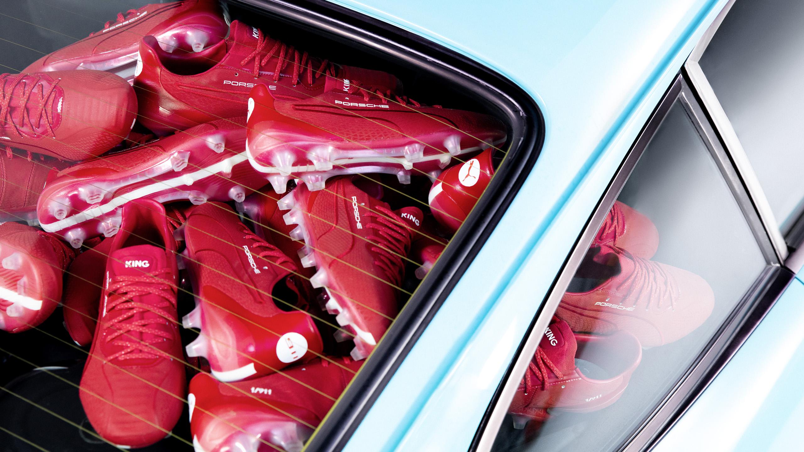 Puma King Platinum 911 Legacy, as chuteiras que vão buscar inspiração a um Porsche