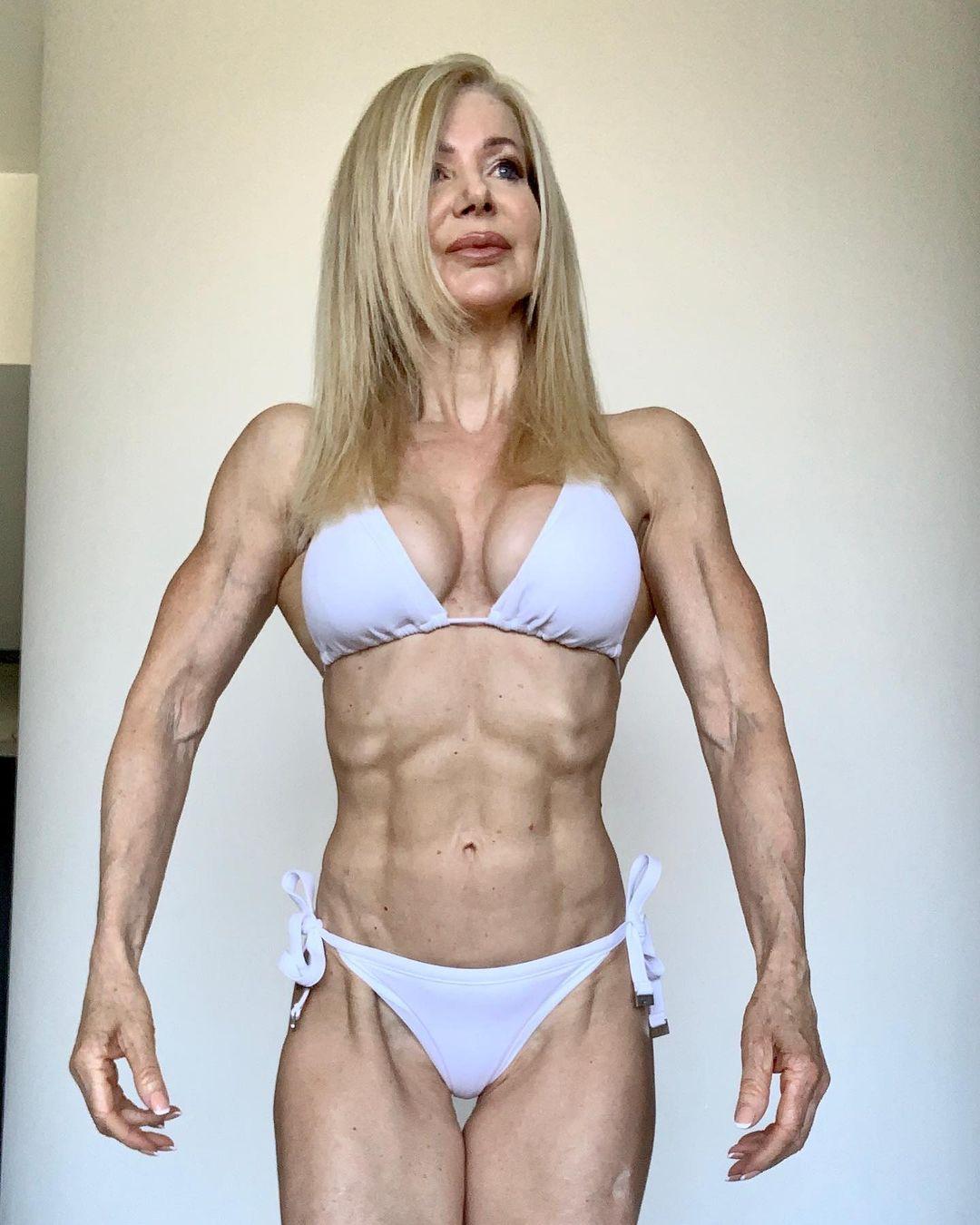 Lesley Maxwell, a estrela fitness de 64 anos que é assediada por homens com idade da neta