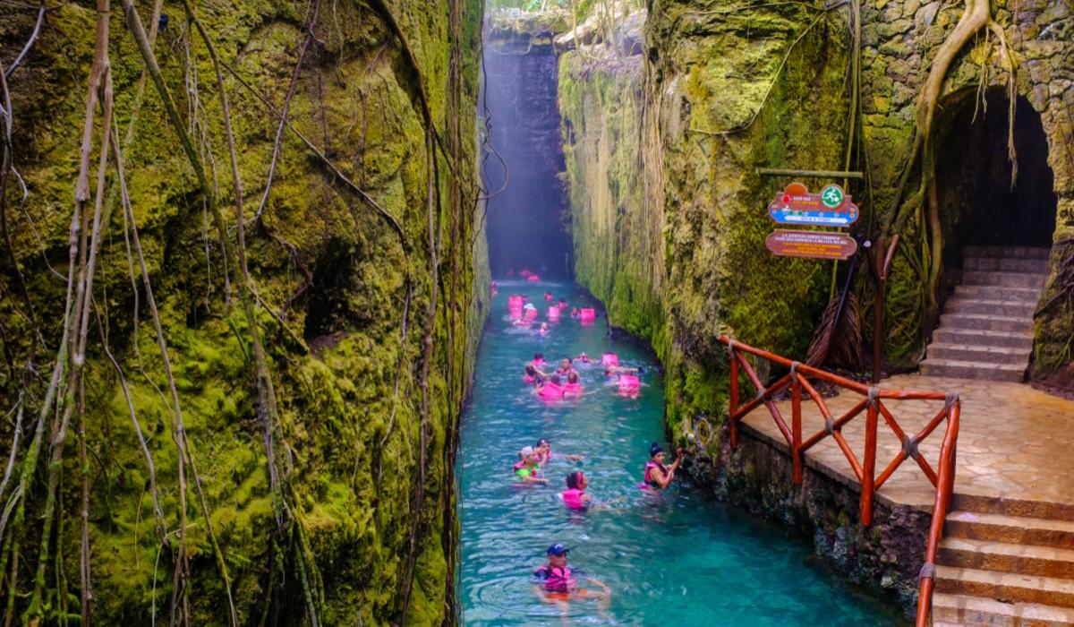 Riviera Maya tem praias incríveis e parques temáticos para toda a família