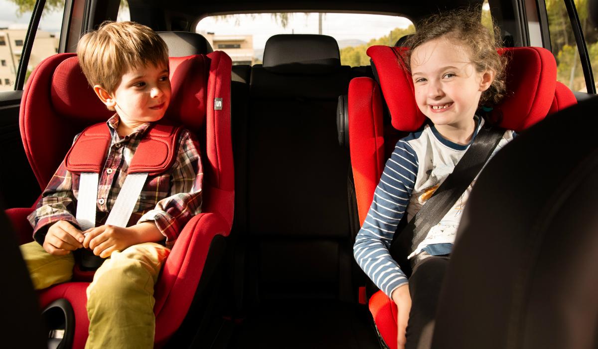 10 regras importantes para transportar crianças em segurança