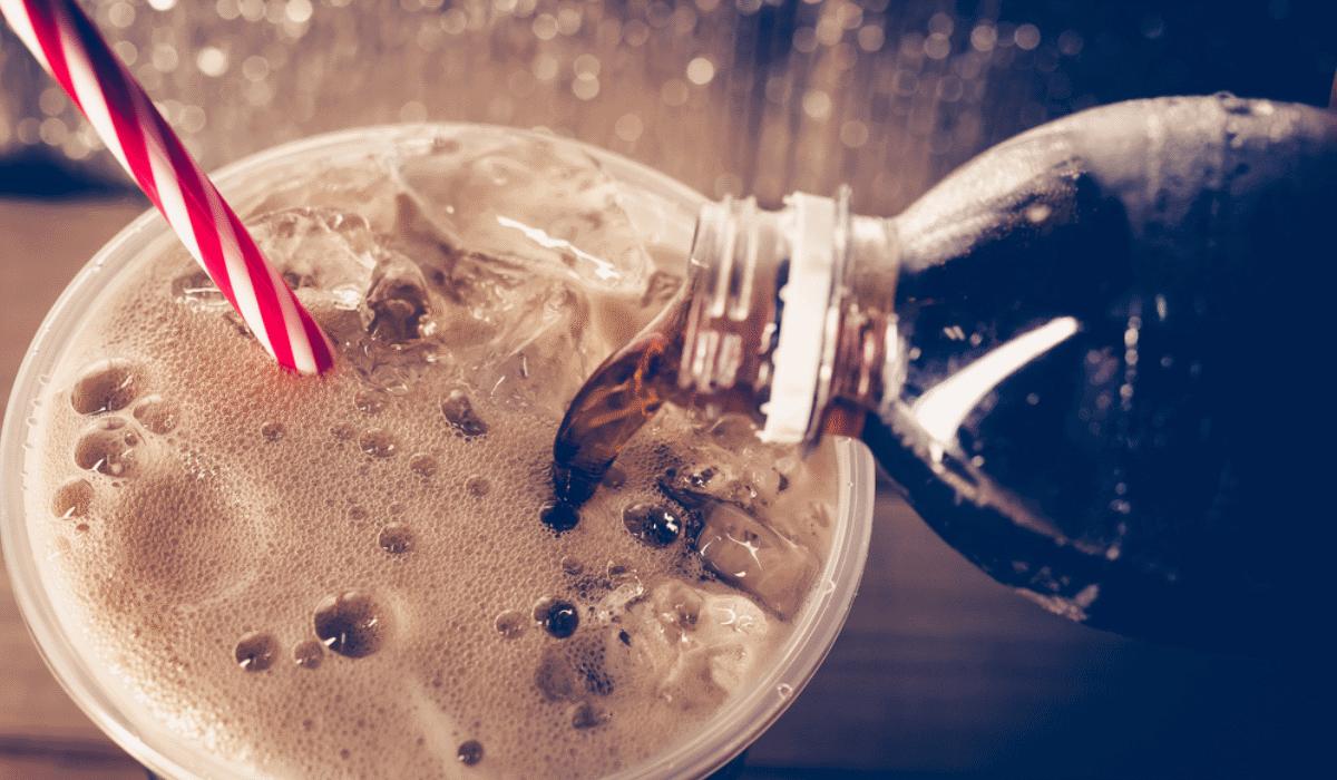 Estudo revela que refrigerantes diet aumentam o risco de morte precoce