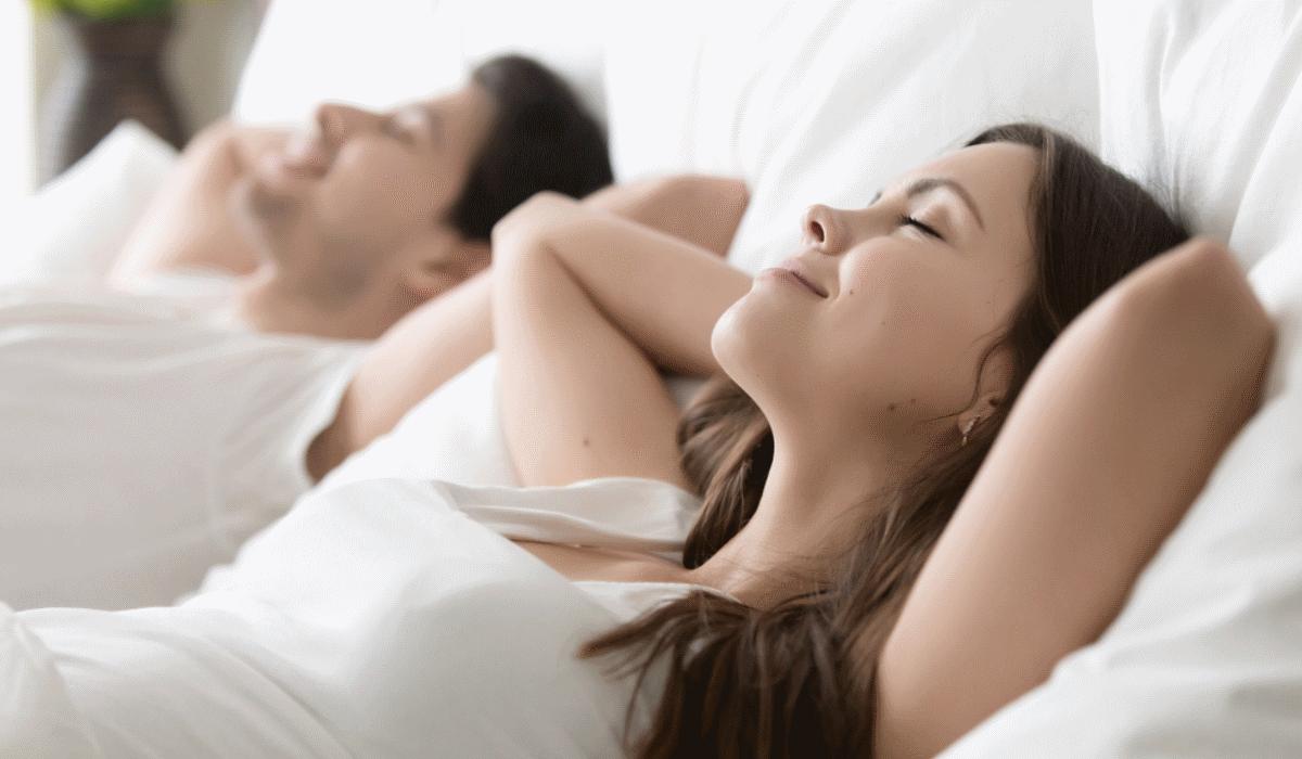 7 comportamentos comuns das pessoas que são boas na cama